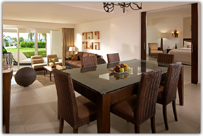 Presidential Suite - Living Room/Dining Area